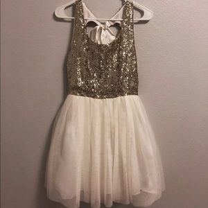 Dresses & Skirts - Gold Sequin Homecoming/Tolo dress